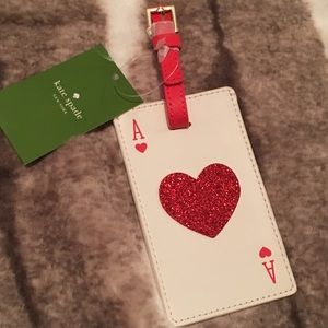 Kate Spade play the wild card luggage tag